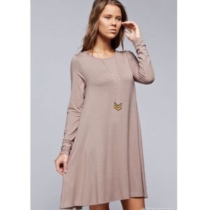 Dresses & Skirts - Mocha swing side pockets dress